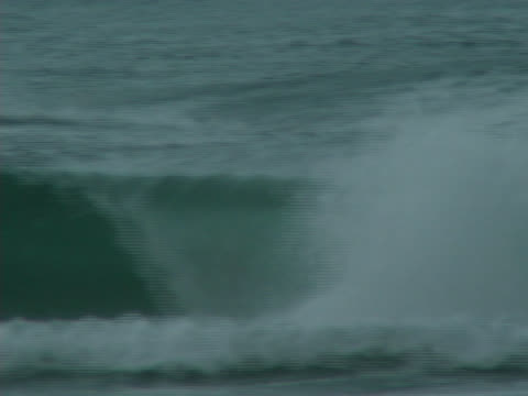 surfers getting barreled in australia - falla av bildbanksvideor och videomaterial från bakom kulisserna