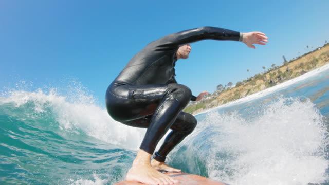 surfen in kalifornien - brandung stock-videos und b-roll-filmmaterial