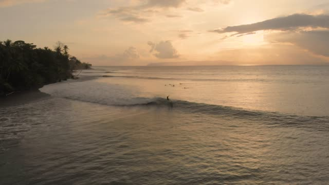 surfing in costa rica - water sport stock videos & royalty-free footage