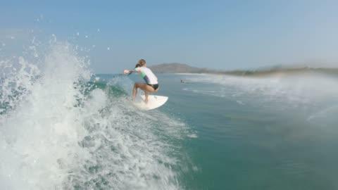vídeos y material grabado en eventos de stock de surf - surf