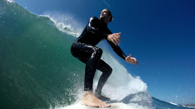 stockvideo's en b-roll-footage met surfing - surfen