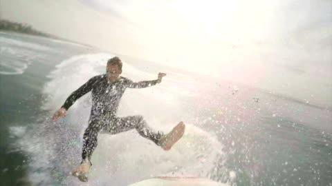 vídeos y material grabado en eventos de stock de práctica de surf - surf