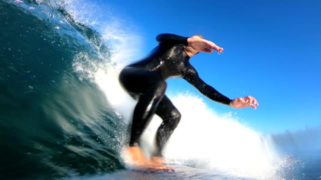 vídeos y material grabado en eventos de stock de práctica de surf  - 40 44 años