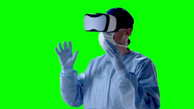 vidéos et rushes de chirurgien, portez des lunettes de réalité virtuelle au cours de la recherche médicale - touche de couleur