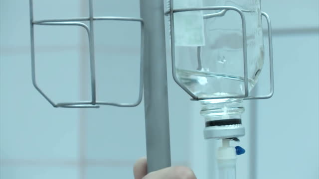 operation am knie - menschliches knie stock-videos und b-roll-filmmaterial