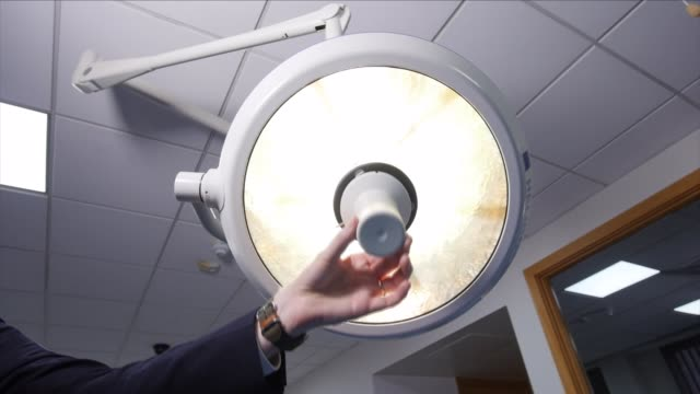 surgical light turning on - circle stock videos & royalty-free footage