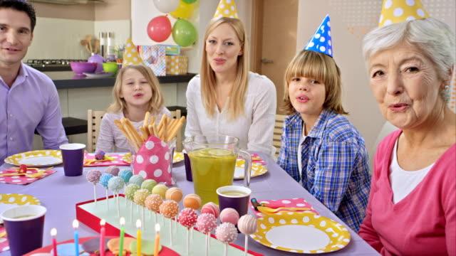 POV bolo de aniversário surpresa e música