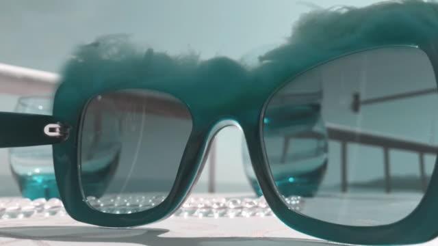 vídeos y material grabado en eventos de stock de lapso de tiempo surrealista - surrealismo