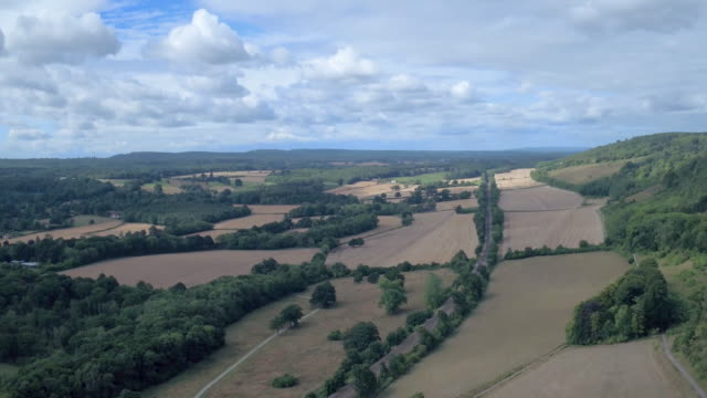 surrey hills, surrey, aerial view - サリー州 ボックスヒル点の映像素材/bロール