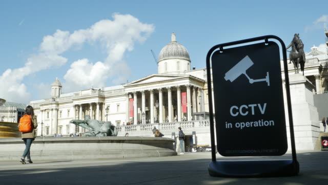 Sorveglianza macchina fotografica a Londra Trafalgar Square (UHD