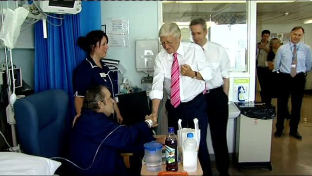 stockvideo's en b-roll-footage met survey highlights worsening quality of life for elderly population england london guys and st thomas's hospital int sir michael parkinson and ivan... - michael parkinson