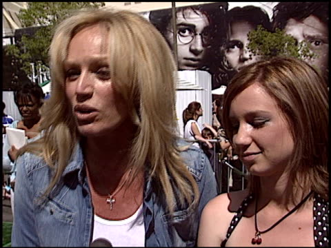 Susan Anton at the 'New York Minute' Premiere at Grauman's Chinese Theatre in Hollywood California on May 1 2004