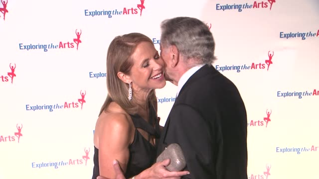 vídeos de stock, filmes e b-roll de susan benedetto snd tony bennett at 6th annual exploring the arts gala at cipriani 42nd street on october 04 2012 in new york new york - tony bennett