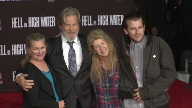 Susan Bridges Jeff Bridges Cindy Bridges Marcel Bridges at Jeff Bridges places his Handprints and Footprints in Cement in Los Angeles CA