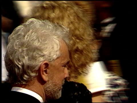 vidéos et rushes de susan dey at the 1988 emmy awards outside at the pasadena civic auditorium in pasadena california on august 27 1988 - cérémonie