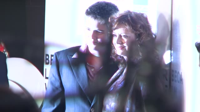 susan sarandon and guest at the speed racer premiere at the 7th annual tribeca film festival at borough of manhattan community college / tribeca... - community college stock videos & royalty-free footage