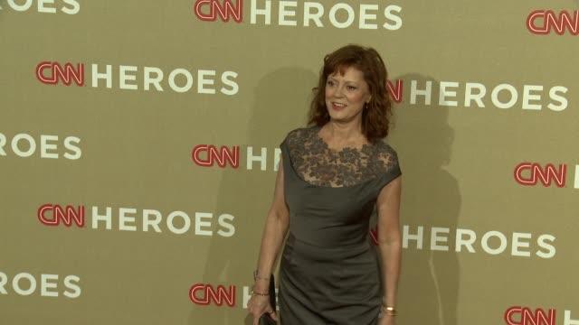 susan sarandon at cnn heroes: an all star tribute on 12/2/2012 in los angeles, ca. - スーザン・サランドン点の映像素材/bロール