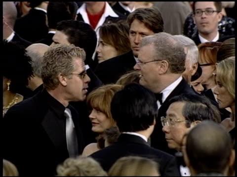 vidéos et rushes de susan sarandon at the 2004 academy awards arrivals at the kodak theatre in hollywood, california on february 29, 2004. - 76e cérémonie des oscars