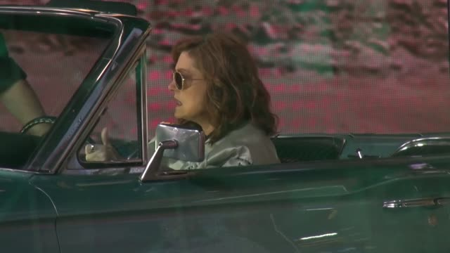 susan sarandon sitting in a convertible thunderbird car, like the one from 'thelma & louise' on the set of the 'good morning america' show in... - スーザン・サランドン点の映像素材/bロール