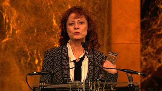 vídeos de stock, filmes e b-roll de speech susan sarandon urges the audience to check out hope north as she accepts her award at variety's power of women new york at cipriani 42nd... - variety