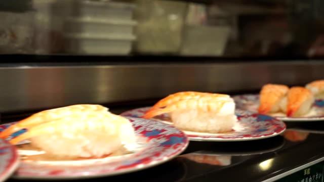 Sushi belt conveyor