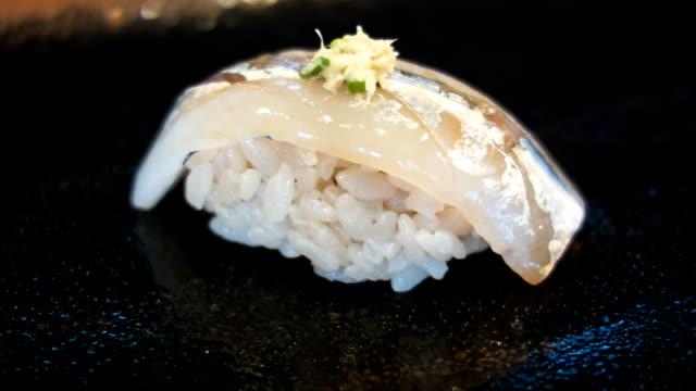 vídeos de stock, filmes e b-roll de sushi. - formato bruto