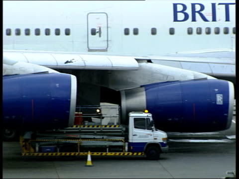 Suspected British death toll rises to 440 TX 112005 ENGLAND London Heathrow Airport INT CS Flight from Bangkok indicated on arrivals screen at...