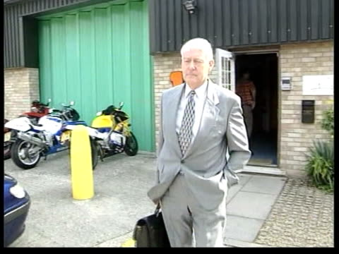 vídeos y material grabado en eventos de stock de sussex police chief paul whitehouse resigns itn london paul whitehouse out of building and up to press paul whitehouse interview sot i decided to go... - paul whitehouse