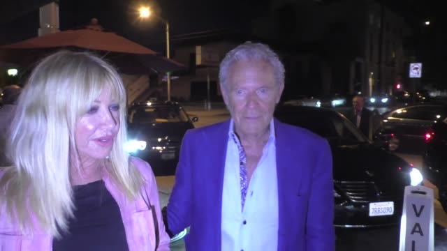 suzanne somers alan hamel arrive for dinner at craig's in west hollywood in celebrity sightings in los angeles - suzanne somers stock videos & royalty-free footage