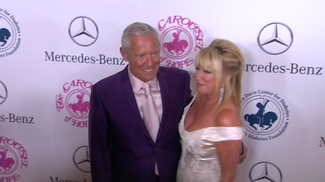suzanne somers and alan hamel at the 2014 carousel of hope ball at the beverly hilton hotel on october 11 2014 in beverly hills california - suzanne somers stock videos & royalty-free footage