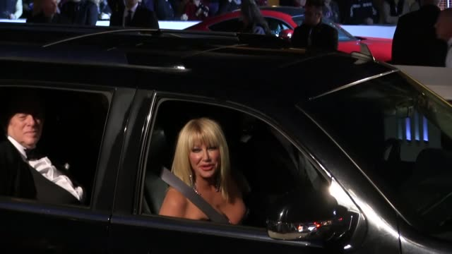 suzanne somers arriving to the palm springs international film festival film festival awards gala in palm springs in celebrity sightings in los... - suzanne somers stock videos & royalty-free footage