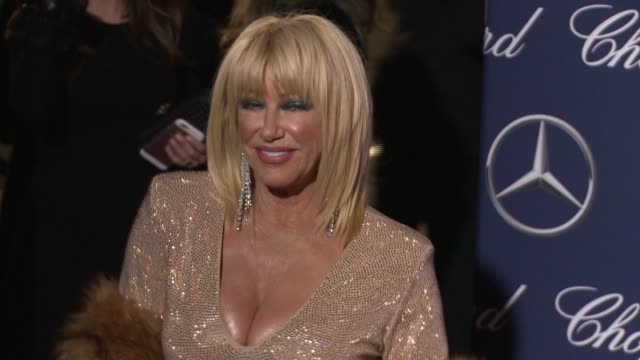 suzanne somers at 28th annual palm springs international film festival awards gala in los angeles ca - suzanne somers stock videos & royalty-free footage