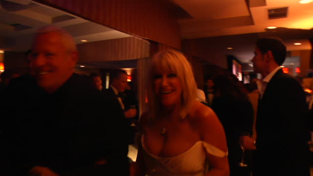 suzanne somers at the 2012 vanity fair oscar party hosted by graydon carter inside party at west hollywood ca - suzanne somers stock videos & royalty-free footage