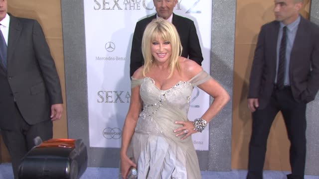 suzanne somers at the 'sex and the city 2' new york premiere arrivals at new york ny - suzanne somers stock videos & royalty-free footage