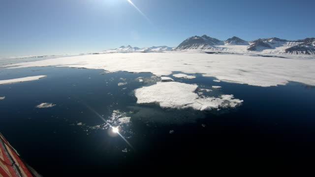 svalbard expedition mit dem segelboot zu den nothern fjorden - begrenzung stock-videos und b-roll-filmmaterial