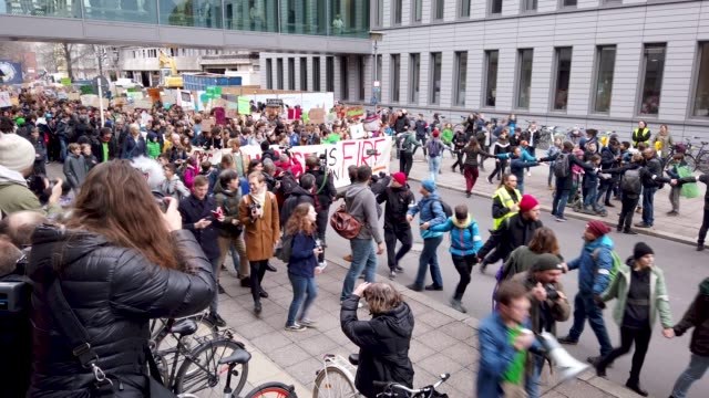 swedish climate activist greta thunberg participates in a fridays for future protest march on march 29 2019 in berlin germany thousands of pupils and... - aktivist stock-videos und b-roll-filmmaterial