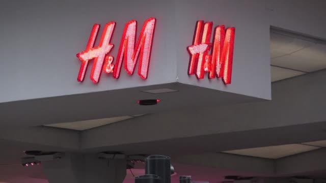 Swedish clothing giant HM on Tuesday said it had withdrawn from sale a green hoodie with the inscription coolest monkey in the jungle after an ad...