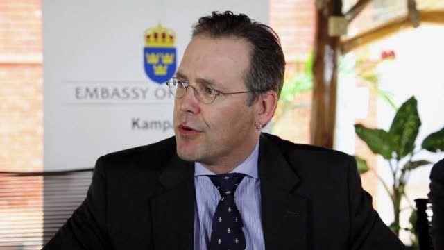 swedish finance minister anders borg meets with ugandan president yoweri museveni following the leader's signing of a controversial law against... - kampala stock videos & royalty-free footage