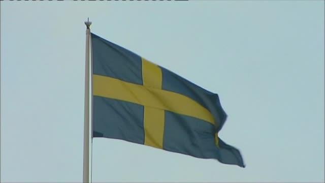 Swedish flag fling in Gothenburg