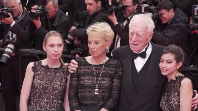 Swedishborn French actor Max Von Sydow his wife Catherine Brelet and their granddaughters arrive on the red carpet of 'The BFG' during Cannes Film...