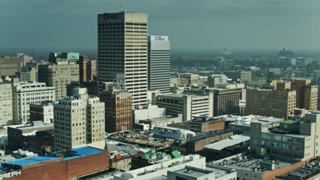 sweeping backwards drone shot of downtown memphis, tennessee - memphis tennessee stock videos & royalty-free footage