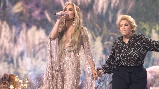 """sweet caroline"""" performed by jennifer lopez and her mother guadalupe rodríguez at global citizen vax live: the concert to reunite the world at sofi... - global stock videos & royalty-free footage"""