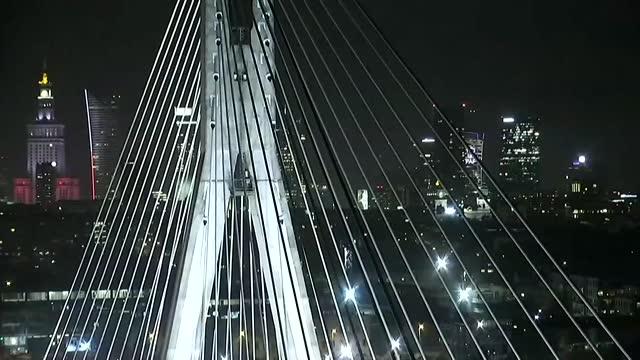 swietokrzyski bridge in warsaw - cable stayed bridge stock videos & royalty-free footage