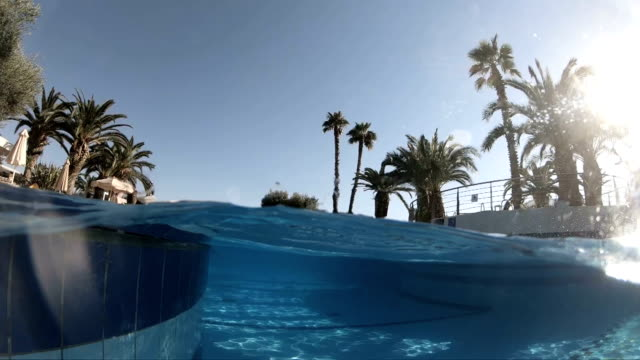 schwimmbad, slow-motion - freibad stock-videos und b-roll-filmmaterial