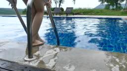 swimming slowmotion