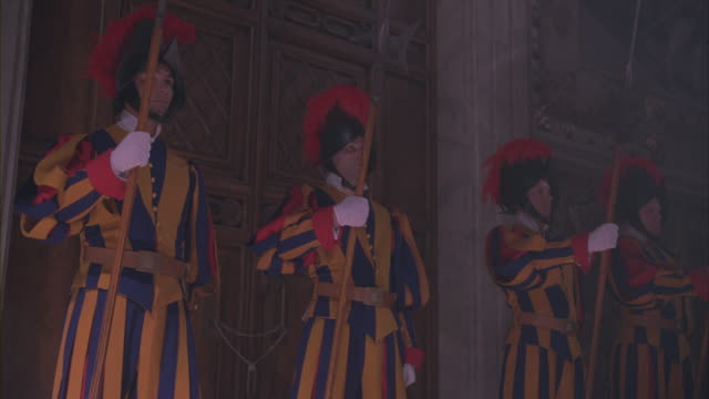 swiss guards standing at the entrance of the vatican. - honour guard stock videos & royalty-free footage
