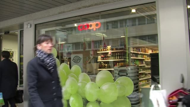 swiss supermarket giant coop acknowledged late wednesday that it too had found horsemeat in its own brand frozen lasagne produced by comigen the... - lasagna stock videos & royalty-free footage