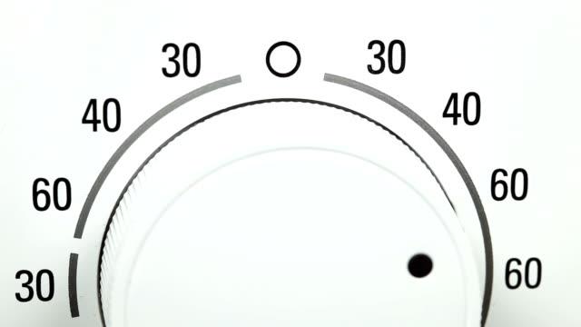 switch einer waschmaschine - waschmaschine stock-videos und b-roll-filmmaterial