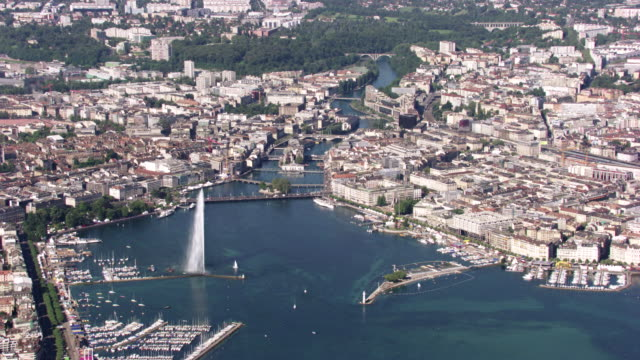 Switzerland : Wide plan of Geneva and Lake Geneva