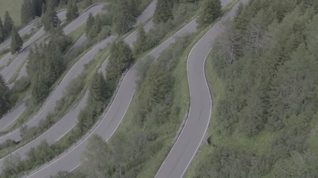 Switzerland_drone_roads_nocars